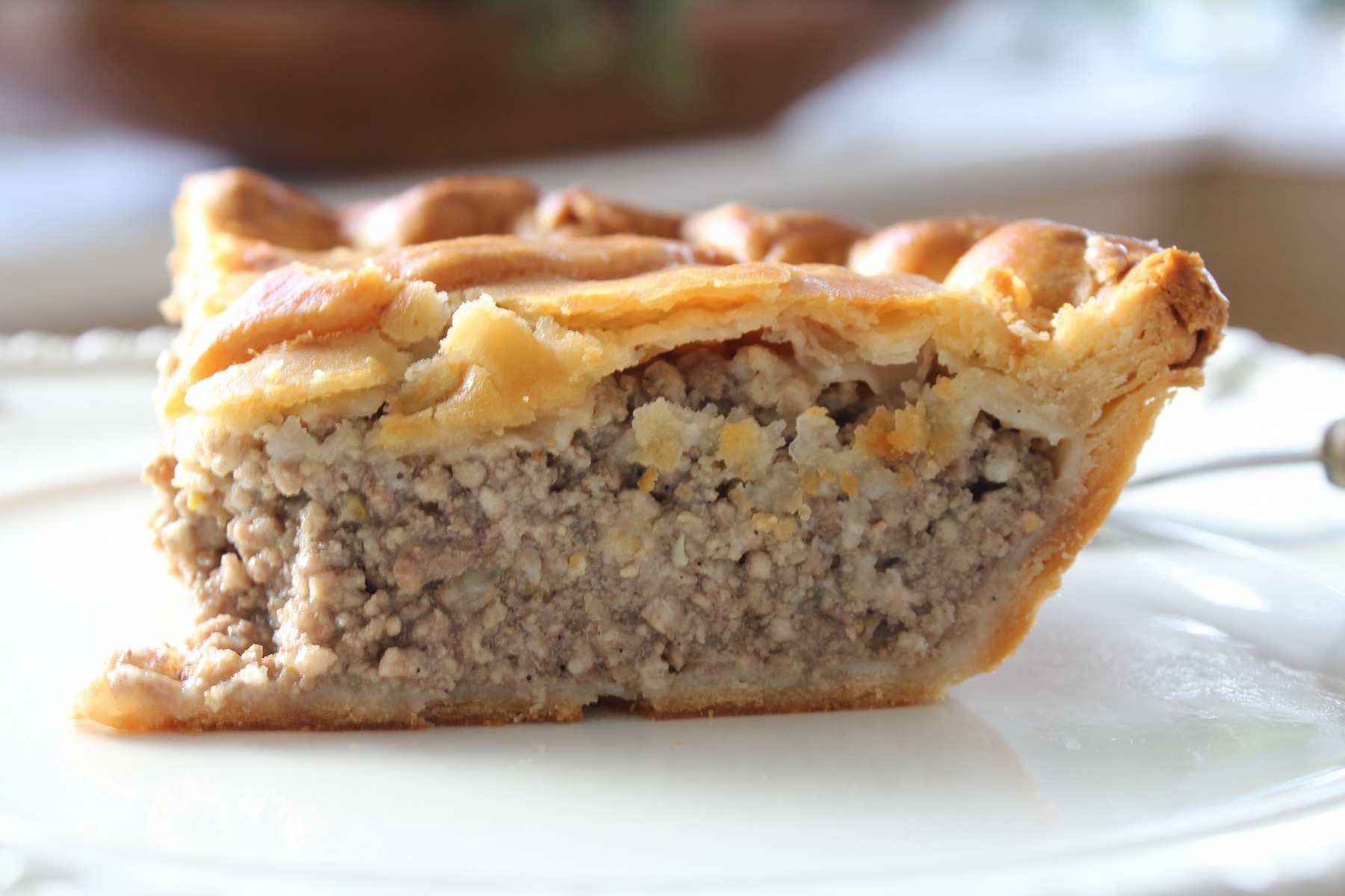 french meat pie slice