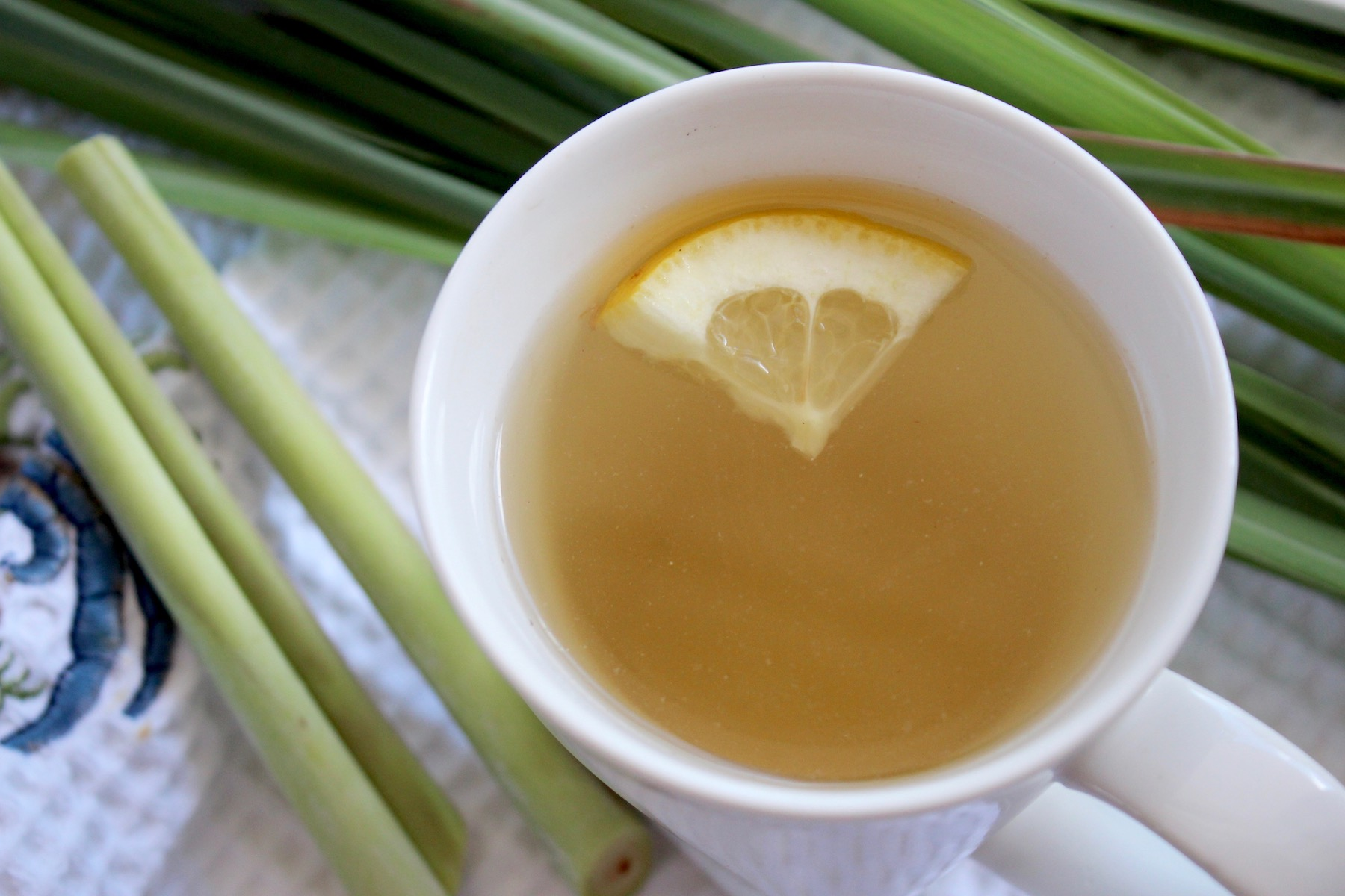 Fresh Lemongrass Tea